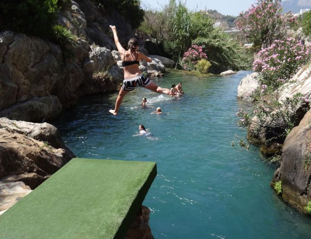 cliff jumping algar