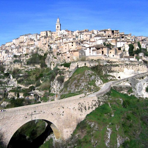 bocairent caves and city tour